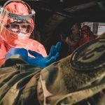 Dostarczają żywność i pobierają wymazy. Żołnierze WOT wspierają domy pomocy społecznej