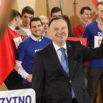 """Prezydent Andrzej Duda spotkał się z mieszkańcami regionu. """"Walczymy o kontynuację pozytywnych zmian w Polsce"""""""