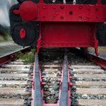 Nastolatek potrącony przez pociąg. Trafił do szpitala