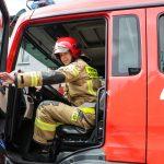 Strażacy przekazują swoje respiratory służbie zdrowia. Terytorialsi oddają krew na ochotnika