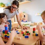 Rodzice mogą liczyć na dodatkowy zasiłek opiekuńczy. Sprawdź, jakie warunki muszą zostać spełnione