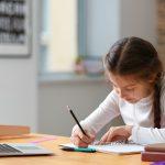 Nowe obostrzenia w edukacji. Klasy 4-8 szkół podstawowych przeszły na naukę zdalną