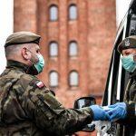 """Pojawiły się próby wyłudzenia pieniędzy od seniorów i kombatantów """"na żołnierza WOT"""""""