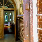 Mimo dyspensy coraz więcej wiernych na mszach. Sprawdź dopuszczalną liczbę w kościołach archidiecezji warmińskiej
