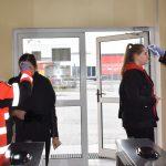 Mundurowe służby medyczne w pełnej gotowości. Wojska remontowe pomagają w walce z koronawirusem