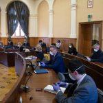 Bez dyskusji, za to w maseczkach i rękawiczkach. Nietypowa sesja olsztyńskiej Rady Miasta