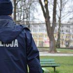 Policja po raz kolejny ostrzega przed łamaniem zakazów. Tylko jednego dnia ukarano ponad 20 osób