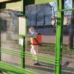 """Wieczorna dezynfekcja przystanków i parkometrów w Elblągu. """"Ruch w mieście jest wtedy bardzo mały"""""""