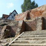 Zabytkowe mury obronne w Pasłęku czekają na remont. Wykonawca został wyłoniony w drugim przetargu