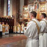 Pięciu diakonów olsztyńskiego Hosianum przyjęło święcenia kapłańskie. Zobacz transmisję wideo