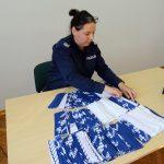 Po służbie szyje maseczki ochronne. Policjantka z Pisza przekaże je m.in. na Śląsk