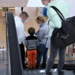 Polacy czują się bezpiecznie w centrach handlowych. Najbardziej tęskniliśmy za wizytą u fryzjera i kosmetyczki