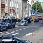Pili alkohol przed blokiem w Olsztynie. Interweniowała policja