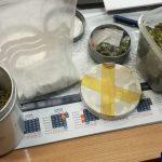 Policjanci zabezpieczyli znaczną ilość narkotyków. Młodym mężczyznom grozi do 10 lat więzienia