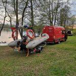 Wypadek na wodzie z udziałem warszawskich policjantów. Trwają poszukiwania na jeziorze Ublik Wielki