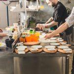 Restauracje i bary hotelowe od dziś mogą być otwarte i serwować posiłki na sali