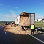 Kolizja ciężarówek na obwodnicy Olsztyna. Utrudnienia na trasie w kierunku Warszawy