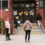 Opóźnienia w wypłacie świadczeń. Olsztyński ZUS tłumaczy: powodem jest pandemia COVID-19
