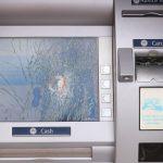 Całkowicie zniszczony bankomat w Olsztynku. Według policji nie skradziono gotówki
