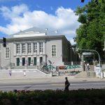 Farsa na dziedzińcu teatralnym. Teatr Jaracza w Olsztynie przygotowuje letnią premierę