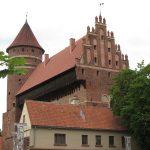 Zwiedzanie ze specjalnym udziałem muzealników. Zobacz wystawę w olsztyńskim zamku z okazji 100-lecia plebiscytu