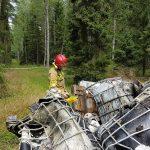 W lesie pod Nidzicą znaleziono porzucone pojemniki. A w nich 15 000 litrów chemicznej substancji
