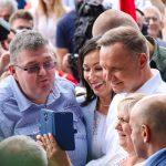"""Prezydent Andrzej Duda w Szeligach na Mazurach. """"Chcę doprowadzić do tego, żeby Polska była wszędzie jednakowo rozwinięta"""""""