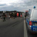 Niebezpiecznie na drogach regionu. Między Olsztynem a Olsztynkiem przewróciła się laweta z koparką