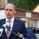 """Wiceminister Rafał Weber: """"Wspieramy remonty i budowę dróg na Warmii i Mazurach. Są na to pieniądze"""""""