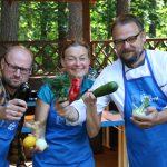 Gotowanie w ogrodzie, czyli Radio od Kuchni. Co dziś przygotują kucharz Maciej i radiowcy?