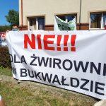 """""""Nie dla żwirowni w Bukwałdzie"""". Mieszkańcy gminy Dywity protestują przeciw inwestycji"""