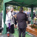 Ostatnie pożegnanie Jana Heichela. Wieloletni prezes Warmińsko-Mazurskiej Izby Rolniczej został pochowany w Biskupcu