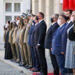 """Prezydent Andrzej Duda awansował dowódcę giżyckich """"Zawiszaków"""" na stopień generała"""
