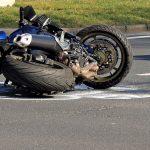 Tragiczne w skutkach zderzenie motocykla z samochodem osobowym