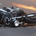 Wypadek między Mrągowem a Giżyckiem. Nie żyje motocyklista