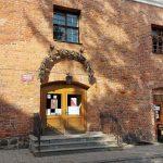 Biblioteka w Pasłęku otwiera wolny dostęp do księgozbioru. Wypożyczanie książek tylko z zachowaniem zasad sanitarnych