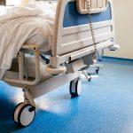 W regionie zajętych jest prawie 60 procent łóżek covidowych. Służby wojewody aktualizują dane