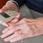Rozwija się teleopieka nad seniorami. Najnowsza generacja zastąpi starsze urządzenia