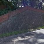 Zabytkowe schody pilnie wymagają remontu