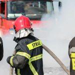 Pożar w bloku przy ul. Zientary-Malewskiej w Olsztynie. Konieczna była ewakuacja mieszkańców