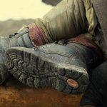 Wyziębieni i nietrzeźwi. Dwaj bezdomni z okolic Szczytna nie zostaną bez opieki