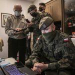 Terytorialsi pomagają weteranom w szczepieniu przeciwko COVID-19