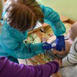 Od dziś wyjazdowy zespół szczepi pacjentów. Zgłoszono 5 przypadków niepożądanych odczynów poszczepiennych