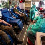 Żołnierze oddają krew i dają przykład