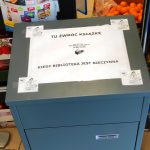 Co robią biblioteczne zbiory z sklepie spożywczym w Milejewie?