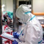 Lawinowy wzrost zakażeń i zgonów w kraju. W regionie prawie 1100 nowych przypadków koronawirusa