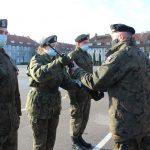 Nowi rekruci wstępują w szeregi wojska. W Braniewie trwa służba przygotowawcza