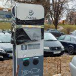 Samochody elektryczne coraz popularniejsze. W Olsztynie i Elblągu stanęło 140 stacji ładowania
