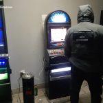Służba celno-skarbowa wykryła nielegalne automaty do gier hazardowych. Zatrzymania w całym województwie