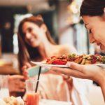 Kolejne luzowanie obostrzeń. Dziś otwarcie lokali gastronomicznych i klubów fitness